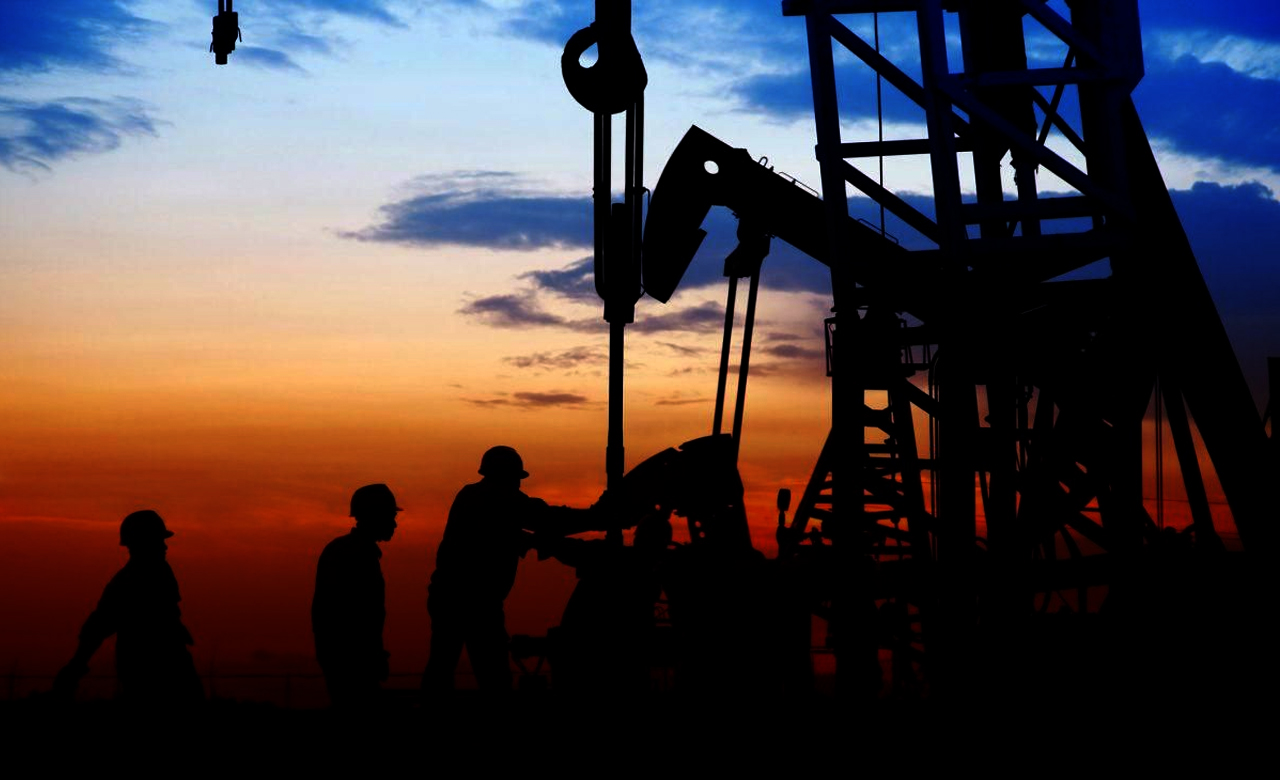 Oil falls 5% to $28 on oversupply concerns