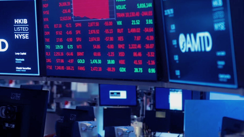 Global stocks collapse as COVID-19 smashes big tech, oil market